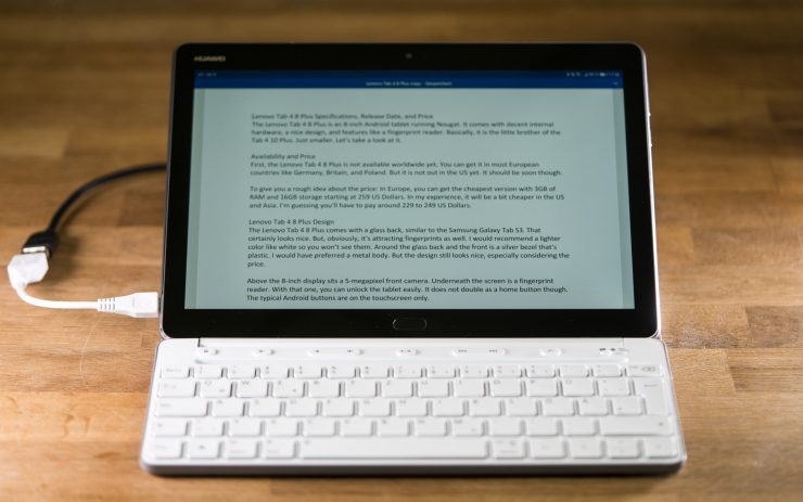 Huawei MediaPad M3 Lite 10 with Keyboard