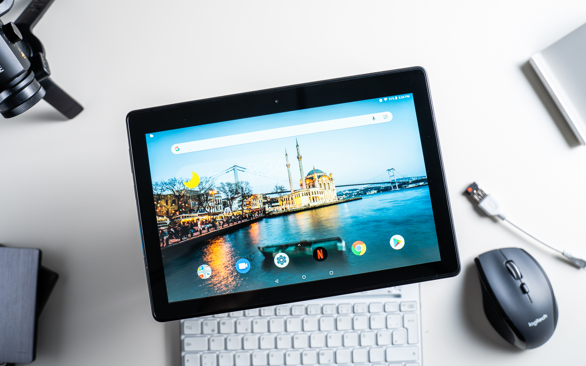 official photos 421a7 d7c45 Lenovo Tab E10 Review: How Usable Is This Cheap 10-Inch Tablet ...